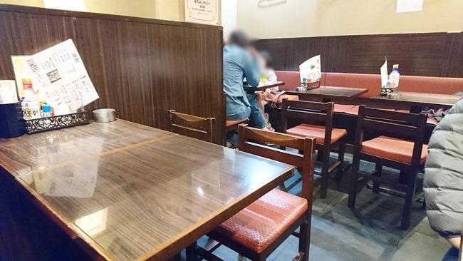 テーブル席@焼鳥 司